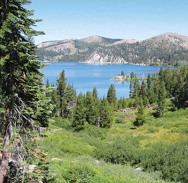 092216-fallhikes_marlette-lake-from-the-marlette-lake-trail_c-timh